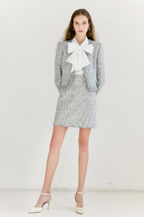 [SET할인] [이태원클라쓰 권나라 착용] CLAIRE Fringe detail round-neck tweed jacket & short skirt (White & Deep Navy Tweed)