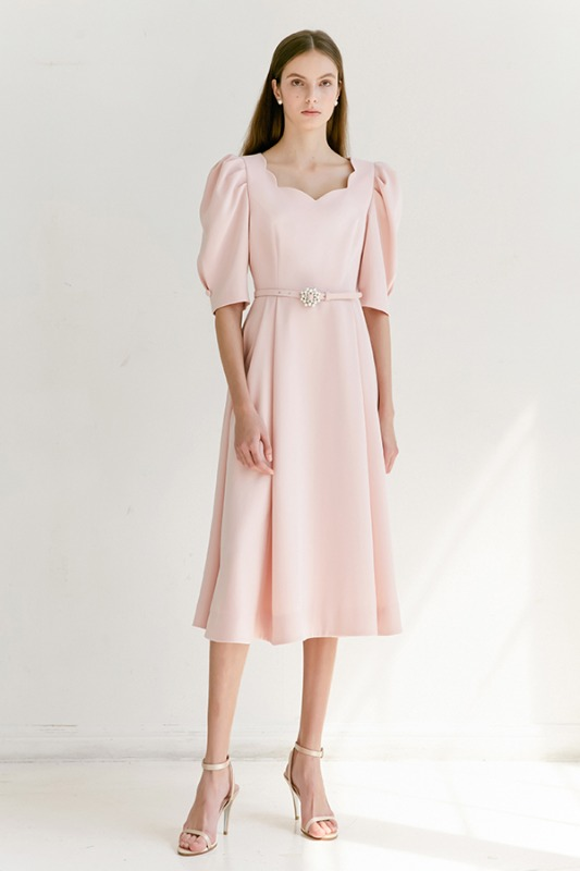 [6/2 예약배송] FLORA scalloped neck short puff-sleeve flared dress (Peach Pink)