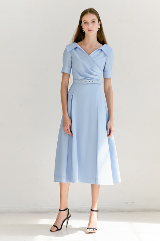 [6/16 예약배송] ELLIE V-neck short sleeve shirred shirt dress (Light Blue)